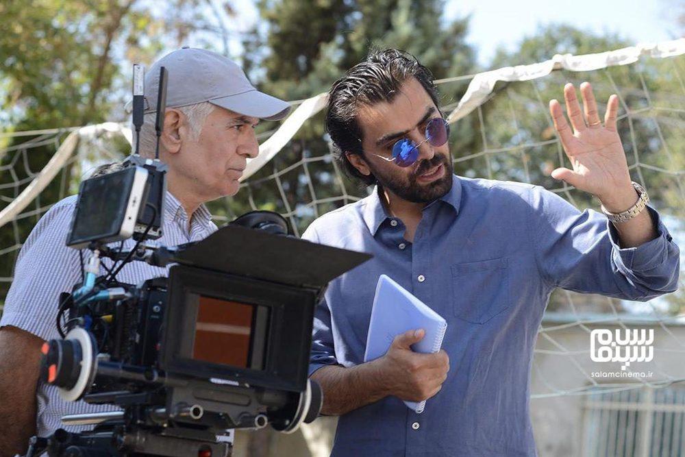 محمود کلاری و ابراهیم ایرج زاد در پشت صحنه فیلم «عنکبوت»