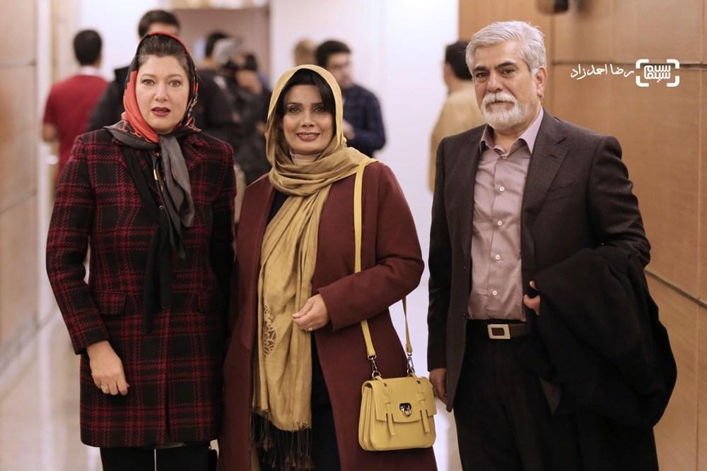 فریبا متخصص، عاطفه رضوی و حسین پاکدل در اکران فیلم «پشت دیوار سکوت» در سی و پنجمین جشنواره فیلم فجر