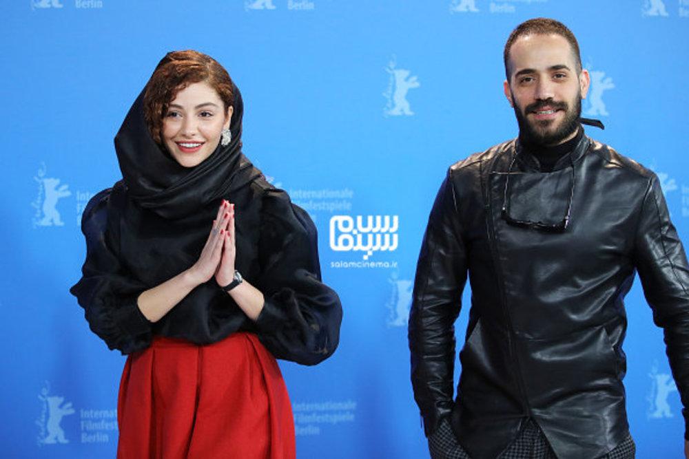 محمد ولی زادگان و مهتاب ثروتی در فتوکال فیلم «شیطان وجود ندارد» در جشنواره برلین 2020