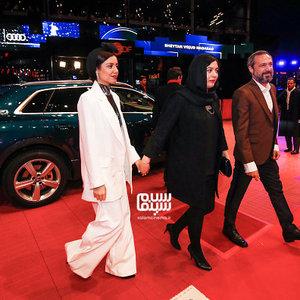 ژیلا شاهی، باران رسول اف و محمد صدیقی مهر در فرش قرمز فیلم «شیطان وجود ندارد» در جشنواره برلین 2020