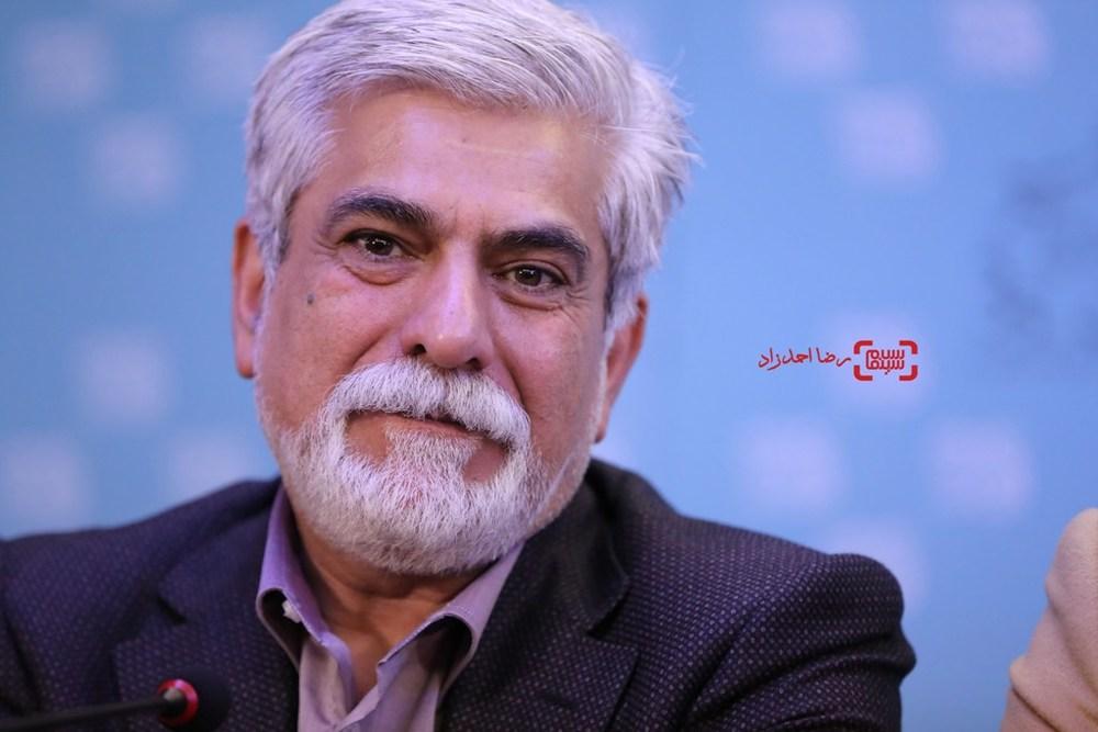 حسین پاکدل در نشست خبری فیلم «پشت دیوار سکوت» در سی و پنجمین جشنواره فیلم فجر