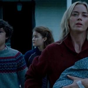 امیلی بلانت، نواه جوپ و میلیسنت سیموندز در فیلم «یک مکان ساکت 2» (A Quite Place 2)