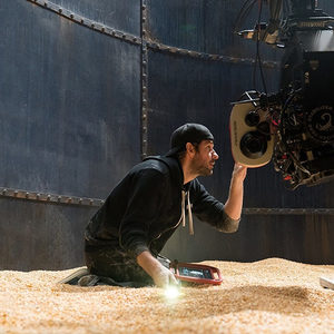 جان کرازیسکی در پشت صحنهی فیلم «یک مکان ساکت 2» (A Quite Place 2)