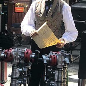 دو پتل در پشت صحنه فیلم «تاریخچه شخصی دیوید کاپرفیلد» (The Personal History of David Copperfield)