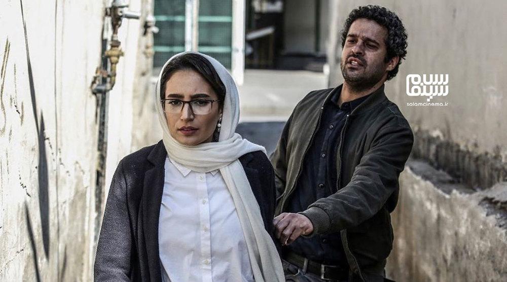 نگار جواهریان و مجتبی پیرزاده در فیلم «مجبوریم»