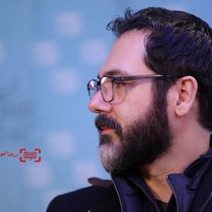 کوروش تهامی در نشست خبری فیلم «رگ خواب» در سی و پنجمین جشنواره فیلم فجر