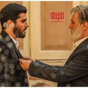 سینا مهراد و امین تارخ در قسمت ۱ سریال «آقازاده»