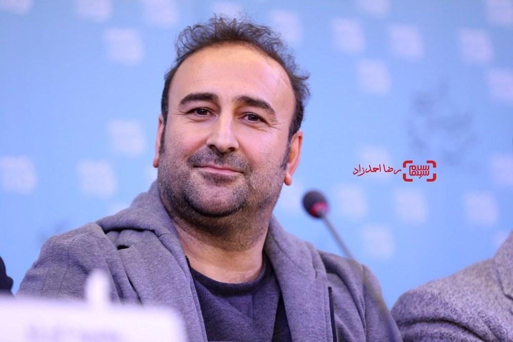 مهران احمدی در نشست خبری فیلم «کارگر ساده نیازمندیم» در سی و پنجمین جشنواره فیلم فجر