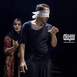 نوید محمدزاده و دایانا حبیبی در پشت صحنه فیلم «شب، داخلی، دیوار»