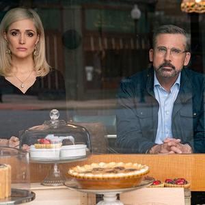 استیو کارل و رز بیرن در فیلم «وسوسه انگیز» (Irresistible)