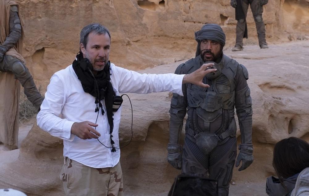 دنیس ویلنیو و خاویر باردم در پشت صحنه فیلم «تل ماسه» (Dune)