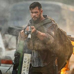 کریس همسورث در فیلم «خارج کردن» (Extraction)