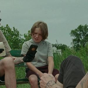 پیت دیویدسون در نمایی از فیلم «پادشاه استتن آیلند» (The King of Staten Island)