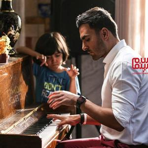 رایان سرلک و علی رهبری در فیلم «گل به خودی»