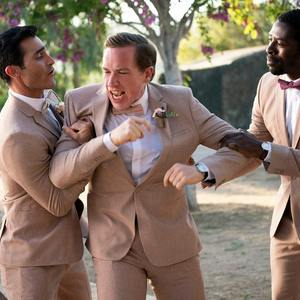 تایلر هوچلین در فیلم «پالم اسپرینگز» (Palm Springs)