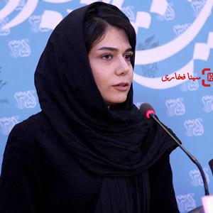 آبان حسین آبادی در نشست خبری فیلم «ترومای سرخ» در سی و پنجمین جشنواره فیلم فجر