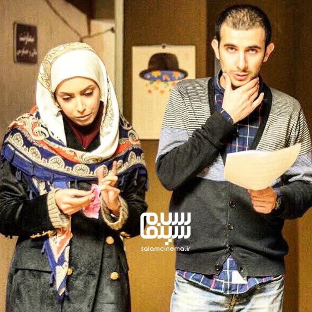 آرش چگینی و ساناز طاری در پشت صحنه سریال «شمعدونی»