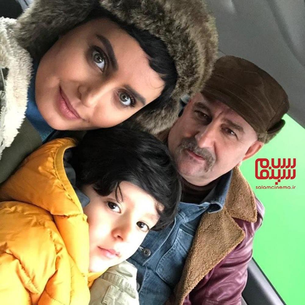 کارن کیایی، الناز شاکردوست و مهران احمدی در پشت صحنه فیلم «مطرب»