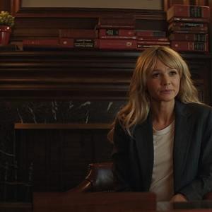 کری مولیگان در نمایی از فیلم «نوید زن جوان» (Promising Young Woman)