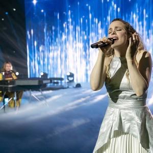 ریچل مک آدامز در فیلم «مسابقه آواز یوروویژن: داستان حماسه آتش» (Eurovision Song Contest: The Story of Fire Saga)