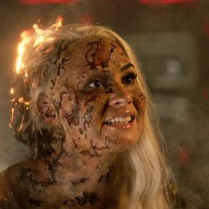دمی لواتو در فیلم «مسابقه آواز یوروویژن: داستان حماسه آتش» (Eurovision Song Contest: The Story of Fire Saga)
