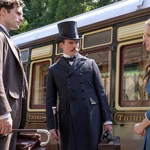 سم کلفلین، هنری کویل و میلی بابی براون در فیلم «انولا هولمز» (Enola Holmes)
