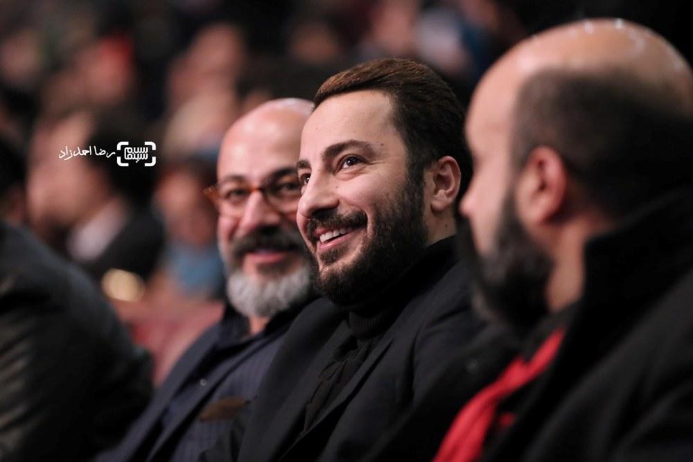 نوید محمدزاده برنده سیمرغ بلورین بهترین بازیگر مکمل مرد برای «بدون تاریخ، بدون امضا» در اختتامیه سی و پنجمین جشنواره فیلم فجر