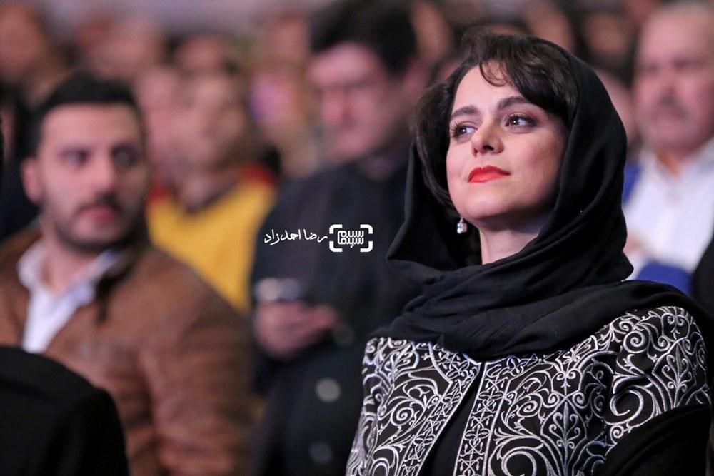 غزل شاکری نامزد سیمرغ بلورین بهترین بازیگر زن برای فیلم «سارا و آیدا» در اختتامیه سی و پنجمین جشنواره فیلم فجر