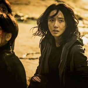 لی جونگ هیون و ری لی در فیلم «قطار بوسان 2: شبه جزیره» (Train to Busan 2: Peninsula)