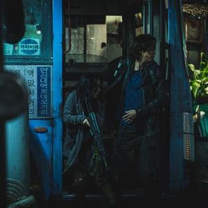 گنگ دونگ ون و لی جونگ هیون در فیلم «قطار بوسان 2: شبه جزیره» (Train to Busan 2: Peninsula)