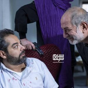 سام قریبیان و آتیلا پسیانی در فیلم «سیاه باز»