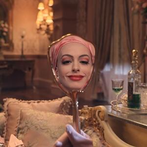 آنا هتوی در فیلم سینمایی «جادوگران» (The Witches)