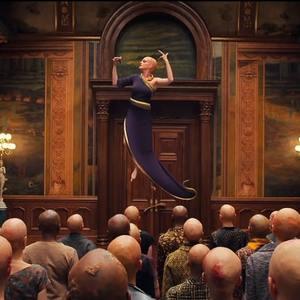 آنا هتوی در «جادوگران» (The Witches)