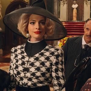 آنا هتوی و استنلی توچی در فیلم «جادوگران» (The Witches)