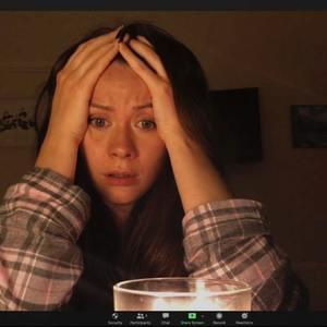 کرولاین وارد در فیلم «میزبان» (Host)