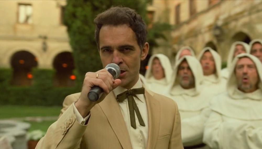 پدرو آلونسو در سریال «خانه کاغذی» (Money Heist)