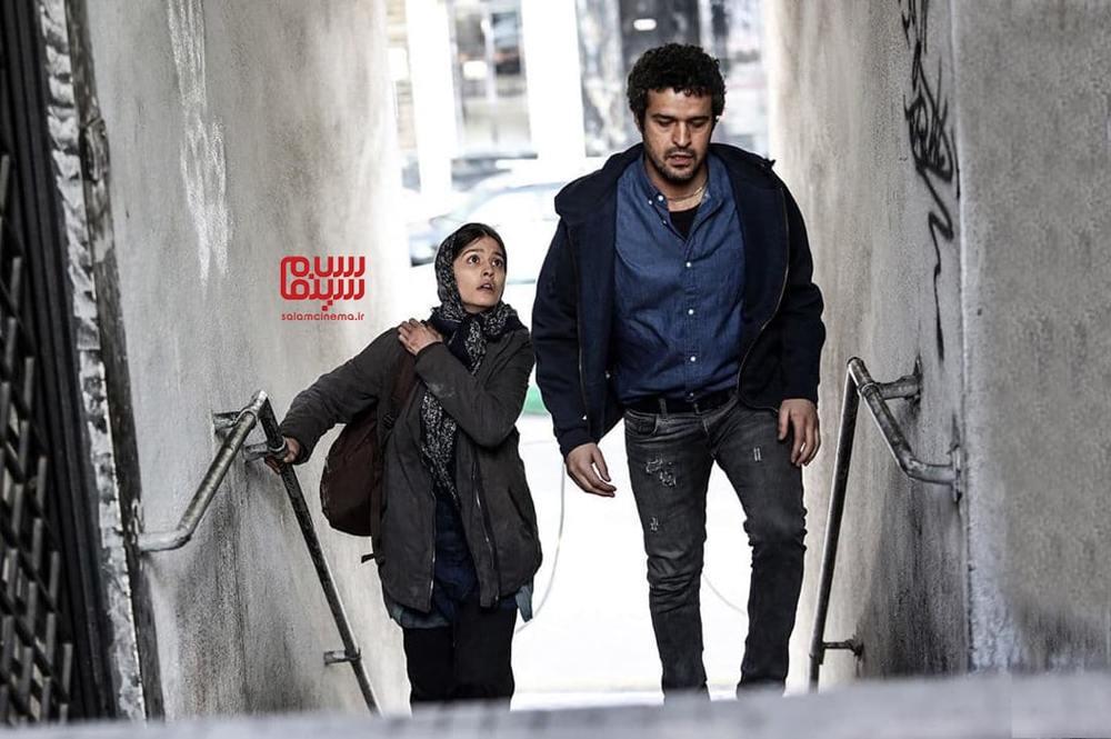 پردیس احمدیه و مجتبی پیرزاده در فیلم «مجبوریم»