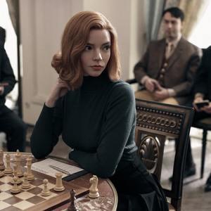 آنیا تیلور جوی در سریال «گامبی وزیر» (The Queen's Gambit)