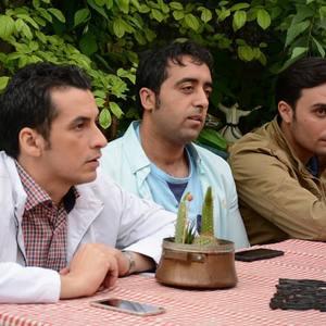 فرامرز قلیچ خانی، حسام خلیل نژاد و فرشاد کلباسی در سریال «پردیس»