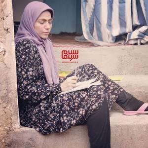 محیا اسناوندی در اپیزود «نامه ی آخر» از سریال تلویزیونی «روزهای بهتر»