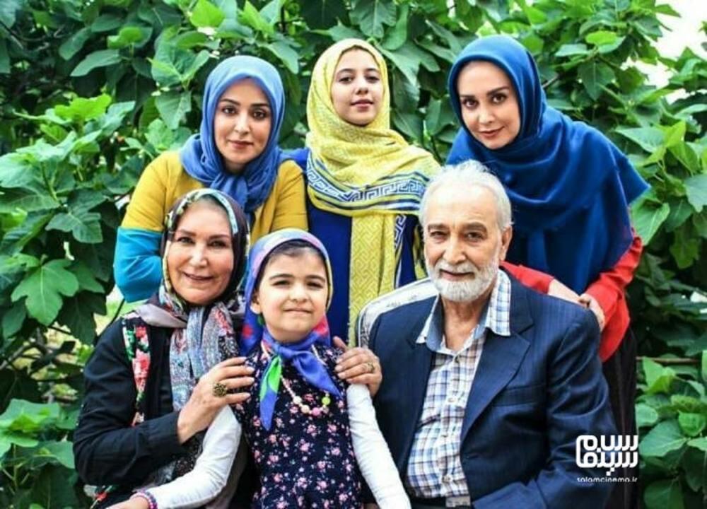 محمود پاک نیت، مریم خدارحمی، مهوش صبرکن و فریبا طالبی در پشت صحنه سریال «دخترم نرگس»