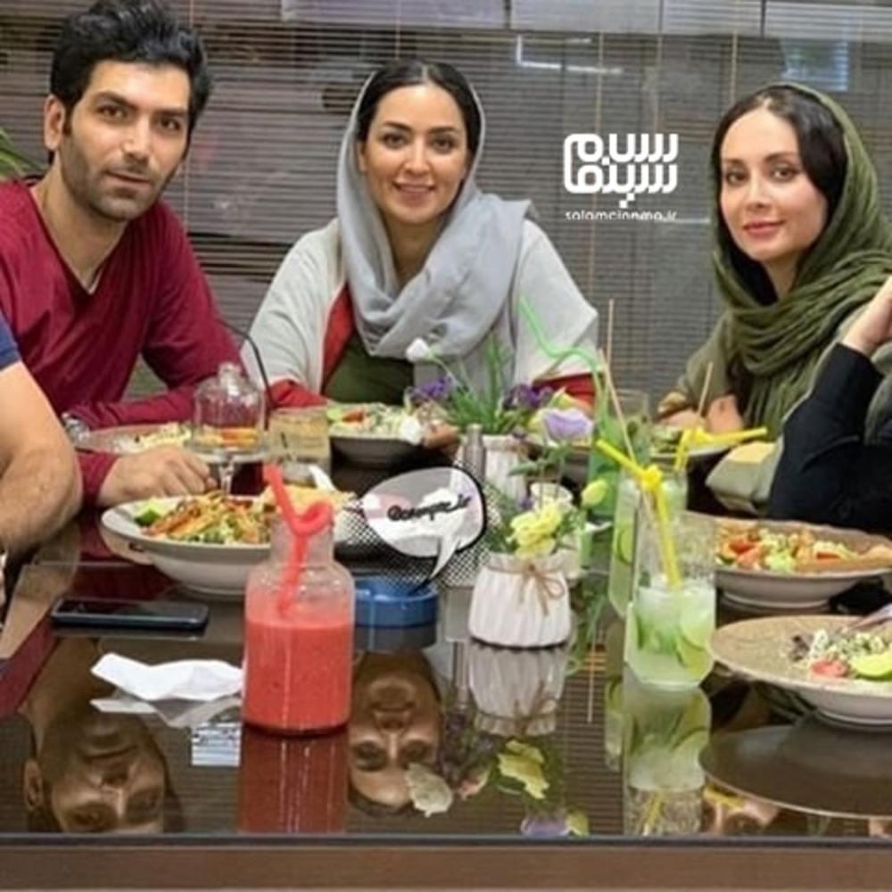 مریم خدارحمی، فریبا طالبی و همسرش امیر صدهزاری در پشت صحنه سریال «دخترم نرگس»