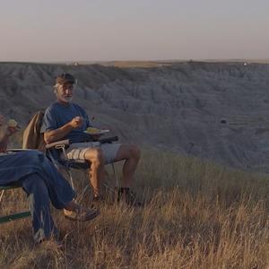 دیوید استراتایرن و فرانسیس مک دورمند در فیلم «سرزمین خانه به دوش ها» (Nomadland)