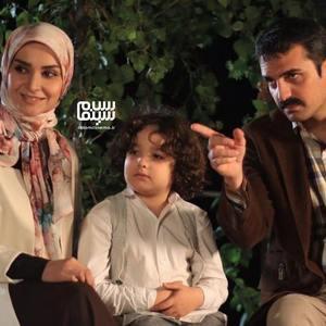 علیرضا آرا، مهدیه نساج و بارمان بوبرده در سریال «زیر پای مادر»