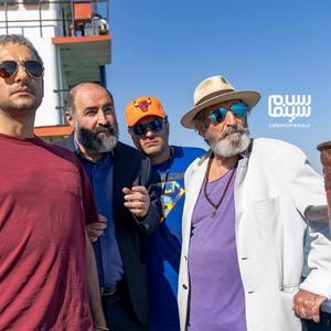 سام درخشانی، حامد کمیلی، تینو صالحی و فرهاد آئیش در سریال «خوب بد جلف : رادیواکتیو»