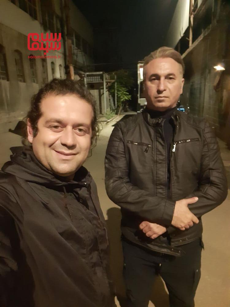 حمید فرخ نژاد و امین سیدی در پشت صحنه سریال «میدان سرخ»