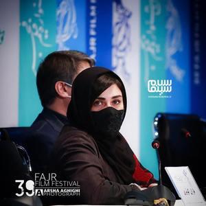 باران کوثری در نشست خبری فیلم «بی همه چیز» در سی و نهمین جشنواره فیلم فجر