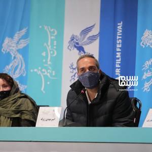 امیرمهدی ژوله و ژاله صامتی در نشست خبری فیلم «شیشلیک» در سی و نهمین جشنواره فیلم فجر