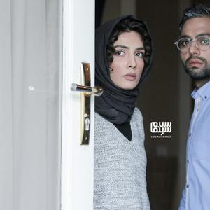 لیلا زارع و صابر ابر در فیلم «زیر نور کم»
