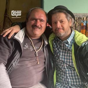 علی صادقی و کاظم نوربخش در پشت صحنه سریال «نون.خ - فصل 3»